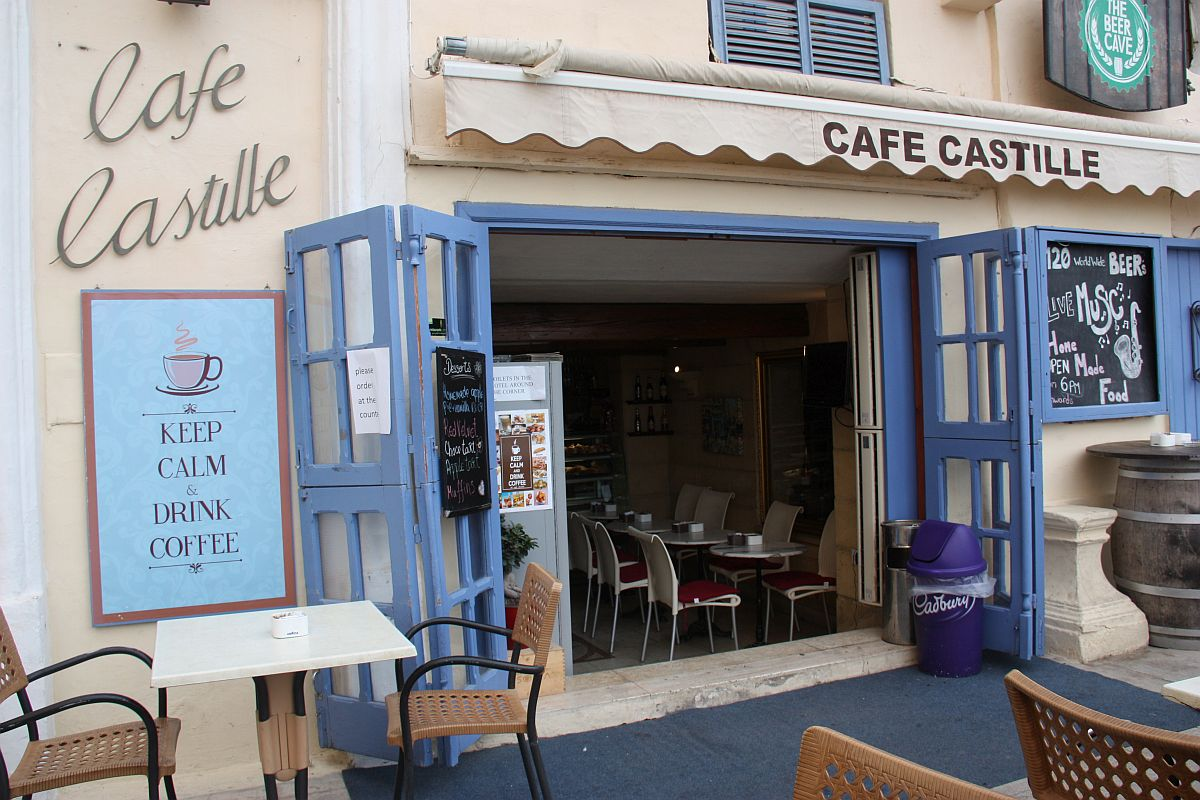 Cafe Castille, a cosy little coffee shop at the Castille Hotel