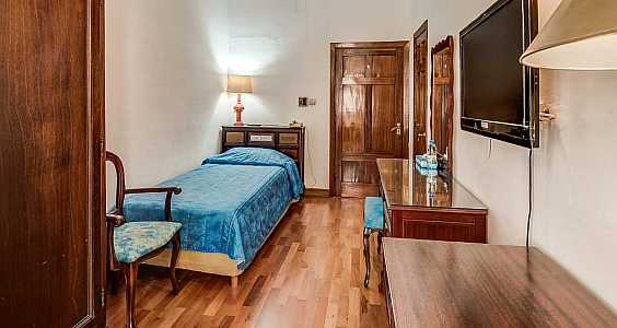 Single Rooms accommodate single travellers visiting the capital city of Valletta for business or leisure